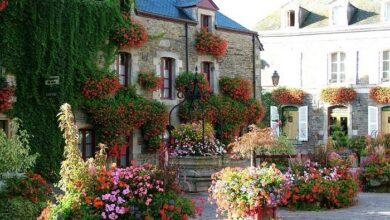 Photo of Rochefort: Το πανέμορφο μεσαιωνικό χωριό γεμάτο με λουλούδια