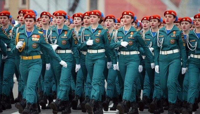 army women putin