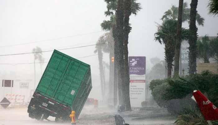 Σε κατάσταση φυσικής καταστροφής το Τέξας (pics) 3