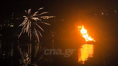 Photo of Αγιος Νικόλαος: Η Ανάσταση στη λίμνη της πόλης (pics)