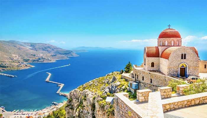 Αύξηση αφίξεων και προκρατήσεων από την Ρωσία προς την Ελλάδα 1