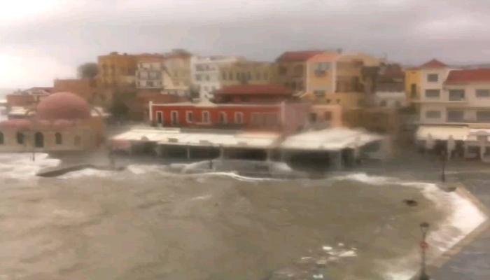 Χανιά: Βγήκε η θάλασσα στη στεριά 1