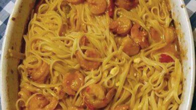 Photo of Γαρίδες με λιγκουίνι στον φούρνο… από την Αλεξάνδρα Σουλαδάκη