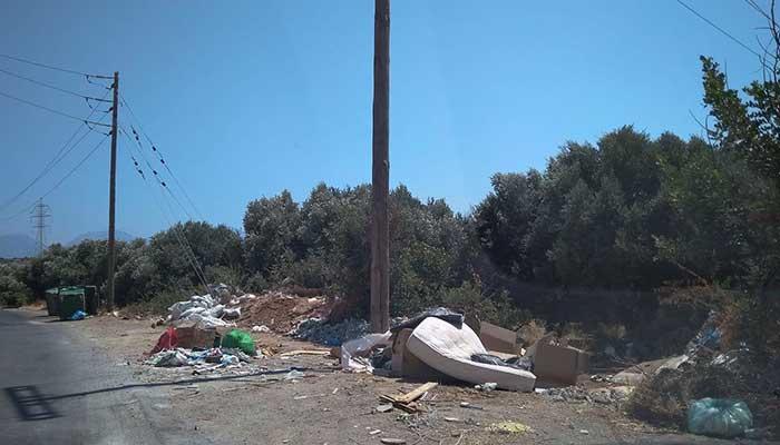 Αγιος Νικόλαος: Κωμικοτραγικές καταστάσεις στον δρόμο των Λακωνίων με τους κάδους απορριμάτων!!! 1