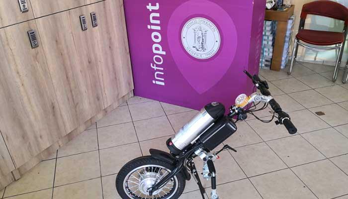 Τρίκαλα: Ηλεκτρική φορητή συσκευή μετατρέπει ένα αναπηρικό αμαξίδιο σε ηλεκτρικό σκούτερ 1