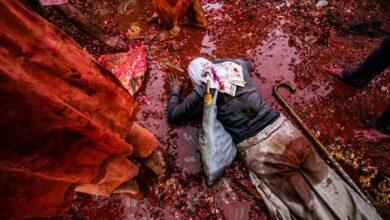 Photo of Ινδία: Θρησκευτική τελετή – Μαστιγώνουν γυναίκες για να διώξουν τα κακά πνεύματα (video)