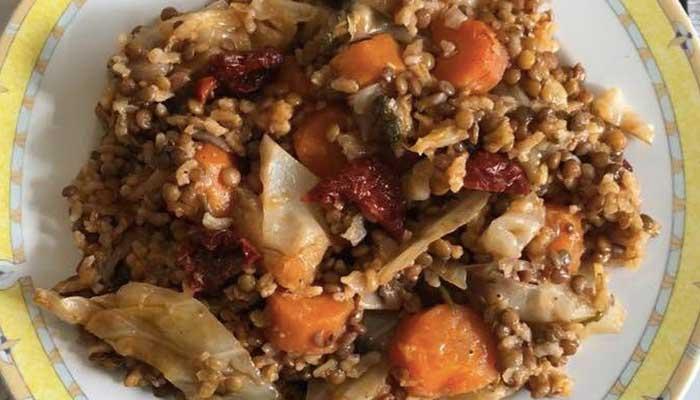 Φακές στην γάστρα με λαχανικά και μυρωδικά 1