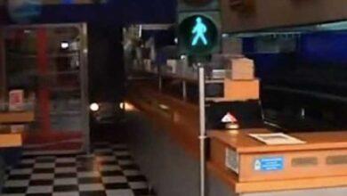 Photo of Σαλονικιός σουβλατζής έβαλε φανάρι στο κατάστημα (video)