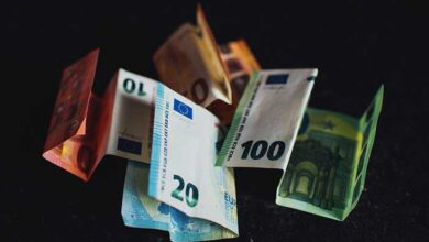 money lefta euro