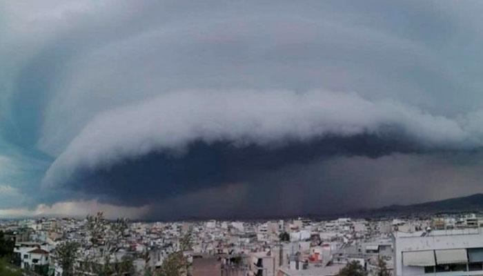 mesogeiakos kyklonas