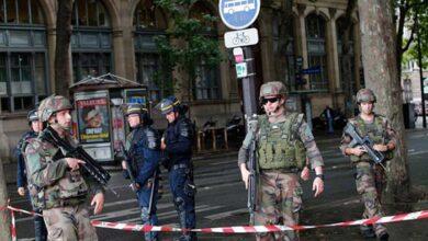 Photo of Επίθεση στο Παρίσι: Ένοπλος αποκεφάλισε άντρα φωνάζοντας «Αλαχού Άκμπαρ»
