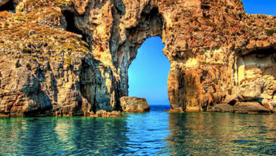 Photo of Τσιχλί Μπαμπά: Το ελληνικό νησί όπου είναι θαμμένοι Γάλλοι και ο ανιψιός του Ναπολέοντα (video)
