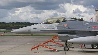 f16 warplane